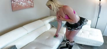 Giantess - Private Stripper Marilyn Moore